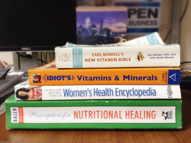 Koleksi buku nutrisi, New vitamin bible, prescription for nutritional healing, idiot guide vitamin and minerals, women's health encylopedia