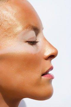 Kulit muka terbakar disebabkan cahaya matahari