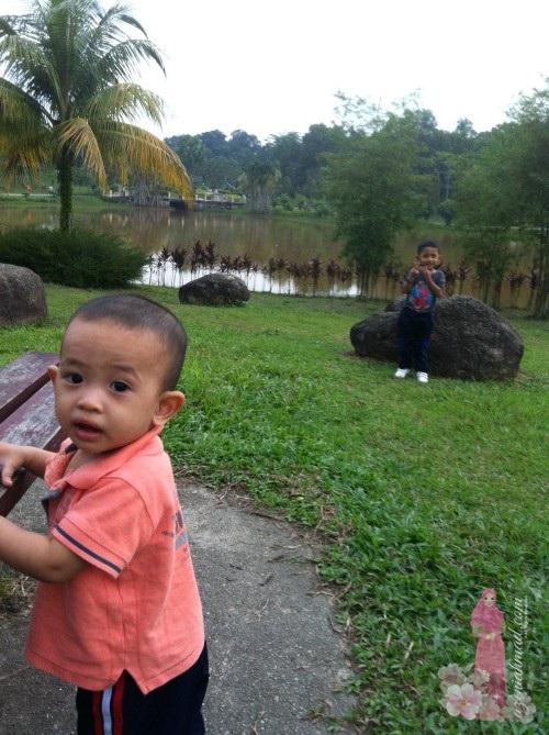 Berjogging di Taman Rimba Riang seksyen 8 Kota Damansara